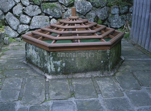 六角井戸の写真素材 [FYI03304150]