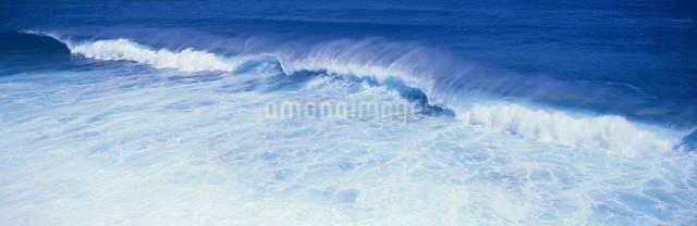 東平安名岬の波の写真素材 [FYI03304182]