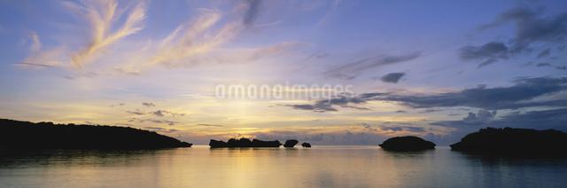 星砂の浜 夕景の写真素材 [FYI03304183]