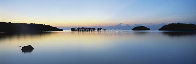 星砂の浜 夕景の写真素材 [FYI03304185]