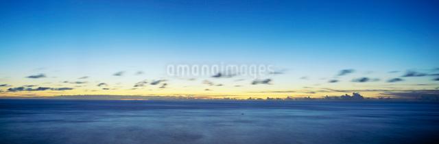 海と夏雲の写真素材 [FYI03304197]