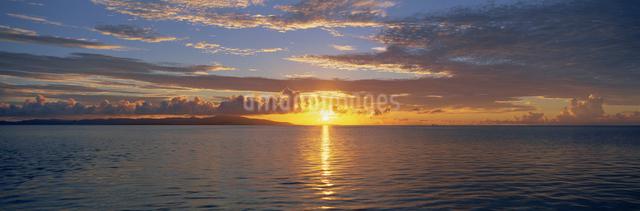 小浜島・西表島夕景の写真素材 [FYI03304209]