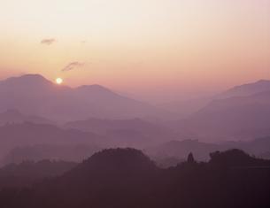 国見ヶ丘夜明けの写真素材 [FYI03304492]