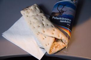 トナカイ肉のサンドイッチの写真素材 [FYI03306267]