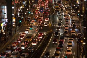 地震後の交通渋滞 新宿通りの写真素材 [FYI03306268]