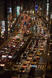 地震後の交通渋滞 新宿通りの写真素材 [FYI03306279]