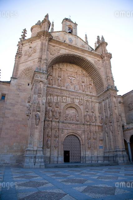 サン・エステバン修道院ファサードの写真素材 [FYI03306374]