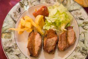 イベリコ豚料理 ヒレ肉の炭焼きの写真素材 [FYI03306388]