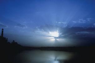 タジマハールの夕暮れの写真素材 [FYI03312926]