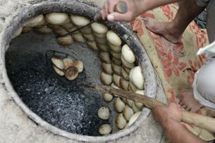ホータン名物ゴシュゲルダー 羊肉入り饅頭の写真素材 [FYI03313066]