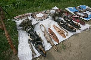 セピック川 アンゴラムの土産物の写真素材 [FYI03313166]