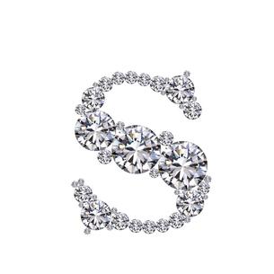 ダイヤモンドで作ったアルファベット 小文字  sの写真素材 [FYI03315615]