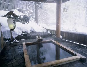 鷹の湯温泉露天風呂の写真素材 [FYI03316362]