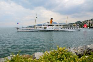 レマン湖湖船の写真素材 [FYI03317361]
