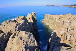 名勝東尋坊の絶壁と日本海の写真素材 [FYI03317889]
