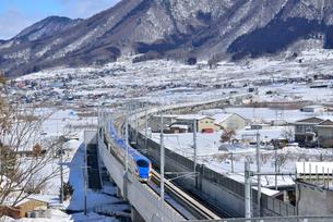 北陸新幹線下り試運転列車の写真素材 [FYI03317931]