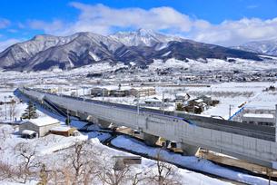 北陸新幹線上り試運転列車の写真素材 [FYI03317936]