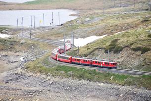 レイティッシュ鉄道ベルニナ線の写真素材 [FYI03318820]