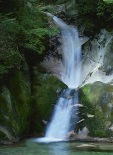 寂地峡 竜尾の滝の写真素材 [FYI03319187]