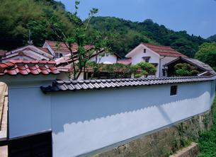 石見銀山 大森の町並み熊谷家土塀の写真素材 [FYI03319604]