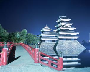 松本城夕景の写真素材 [FYI03319871]