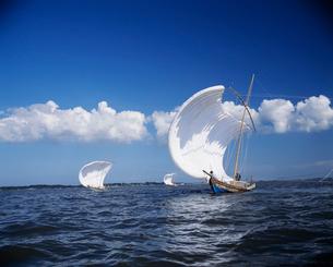 麻生帆曳き船の写真素材 [FYI03319928]