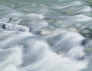 黒部峡谷の清流の写真素材 [FYI03322263]