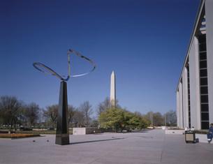 歴史博物館とワシントン記念塔の写真素材 [FYI03331707]
