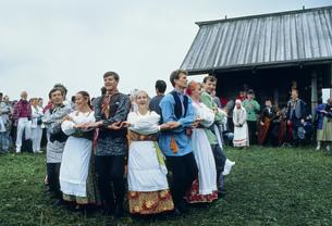 カレリアの民族舞踊の写真素材 [FYI03332819]