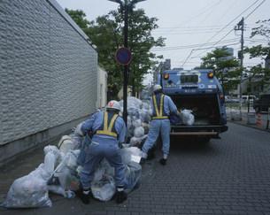 ゴミの収集車の写真素材 [FYI03337689]