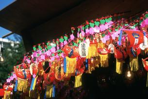 正月のイメージ 川崎大師境内の写真素材 [FYI03337723]