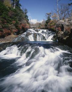 秋の龍頭の滝の写真素材 [FYI03339352]