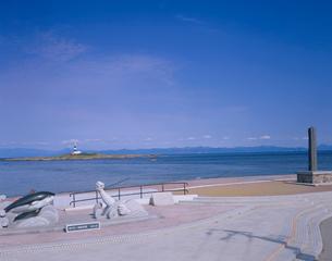 本州最北端地 大間崎より弁天島灯台を望むの写真素材 [FYI03342000]