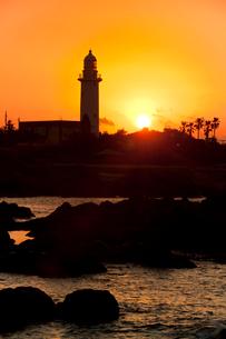 野島崎灯台の夕景の写真素材 [FYI03342775]