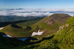駒ケ岳稜線より小岳,女岳を望むの写真素材 [FYI03343264]