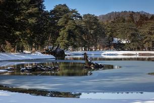 冬の毛越寺庭園の写真素材 [FYI03343933]