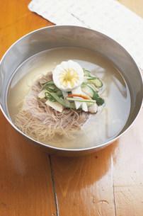 冷麺の写真素材 [FYI03344084]