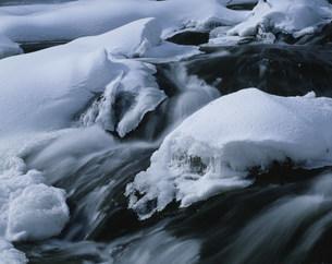 竜頭の滝雪景色の写真素材 [FYI03344316]