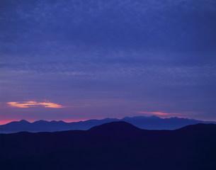 乗鞍岳山上の夜明けの写真素材 [FYI03344580]