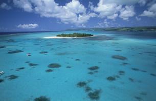 マニャガハ島とサイパン島とリーフの写真素材 [FYI03345870]