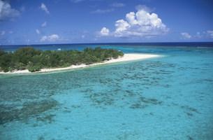 マニャガハ島とリーフの写真素材 [FYI03345880]