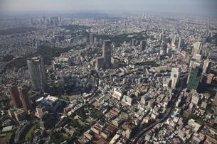 東京ミッドタウンと森タワーの写真素材 [FYI03346267]