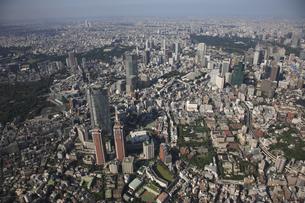 森タワーと六本木ヒルズ 東京ミッドタウンの写真素材 [FYI03346268]