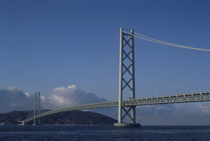 アジュール舞子より 垂水区海岸通 明石海峡大橋の写真素材 [FYI03346373]