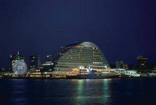 オリエンタルホテル夜景 神戸港の写真素材 [FYI03346386]
