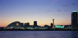 神戸港夕景の写真素材 [FYI03346387]