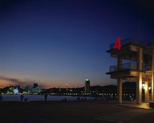 新港第4突堤からの神戸港の写真素材 [FYI03346391]