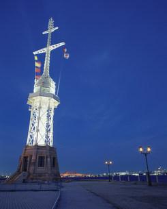 ハーバーランド灯台とガス灯の写真素材 [FYI03346405]