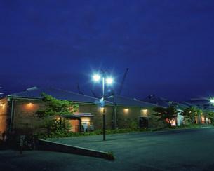 夜景のハーバーランドの煉瓦倉庫の写真素材 [FYI03346489]