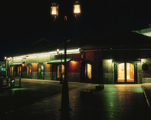 ハーバーランドの夜景 煉瓦倉庫の写真素材 [FYI03346507]